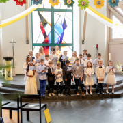 Kinder singen (Fotomedia Morgenegg AG)<div class='url' style='display:none;'>/</div><div class='dom' style='display:none;'>kath-dfs.ch/</div><div class='aid' style='display:none;'>211</div><div class='bid' style='display:none;'>2892</div><div class='usr' style='display:none;'>81</div>